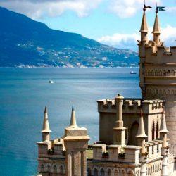 История замка «Ласточкино гнездо» в Крыму