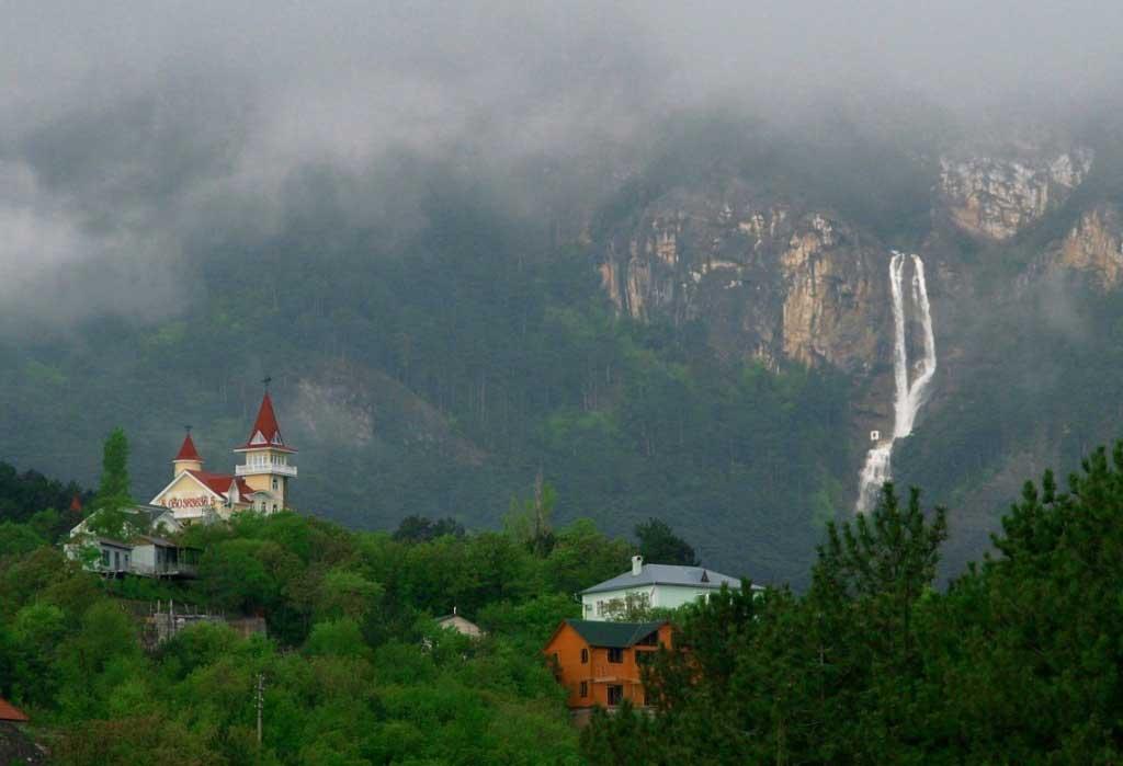 krym-vodopad