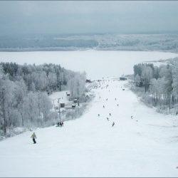 Горнолыжный курорт «Красное озеро»