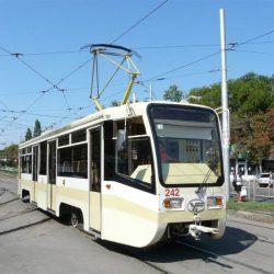 В Краснодаре иномарка врезалась в трамвай