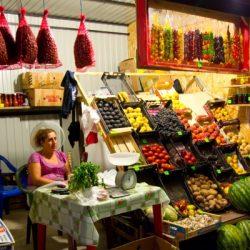 Рынки и магазины Джубги