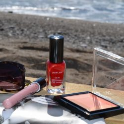 Какие косметические средства нужны в отпуске на море для девушки
