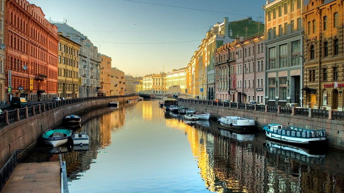 Санкт-Петербург — история города и расположение