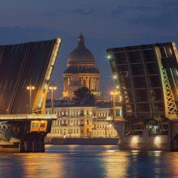 Почти 1700 раз разводили мосты Петербурга в 2017 году