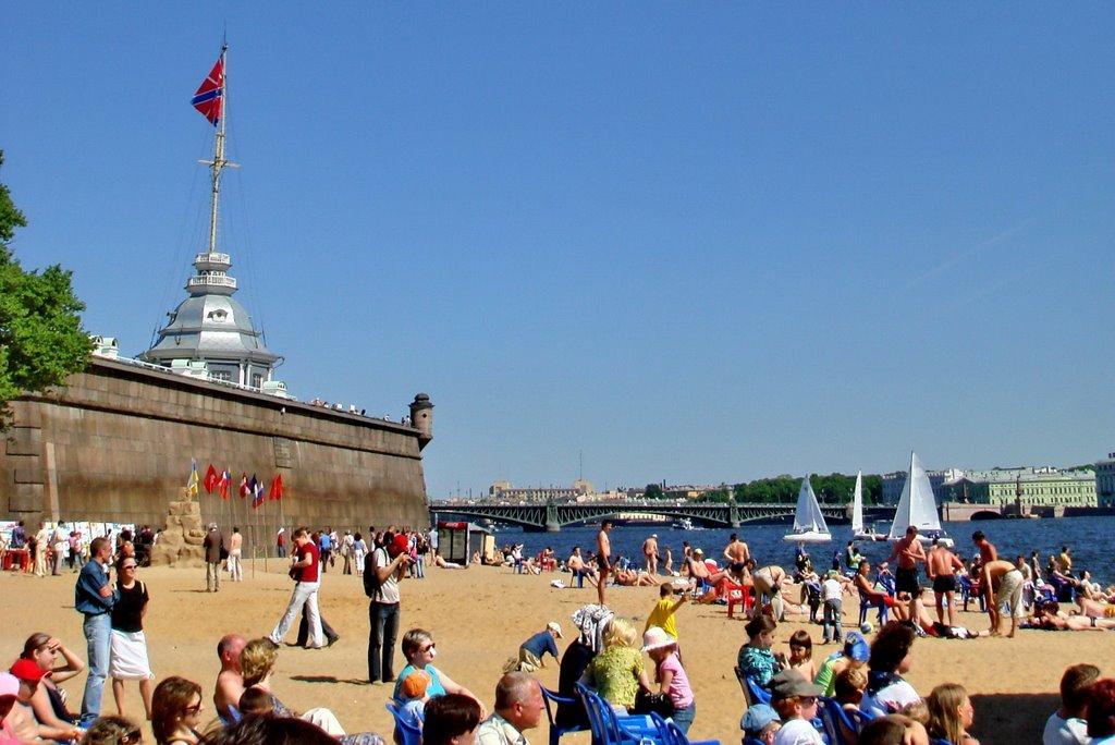 Пляжи Санкт-Петербурга: где можно купаться, а где нет