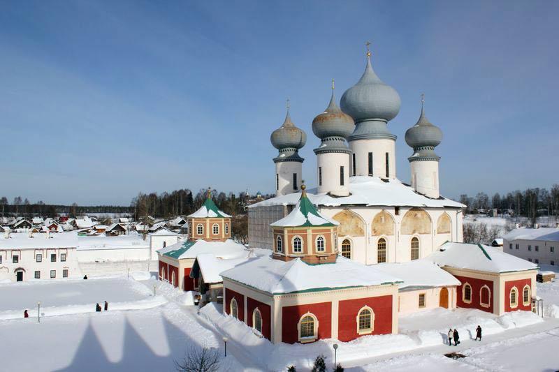 Коротко про Новый год: 5 лучших однодневных туров на зимние каникулы