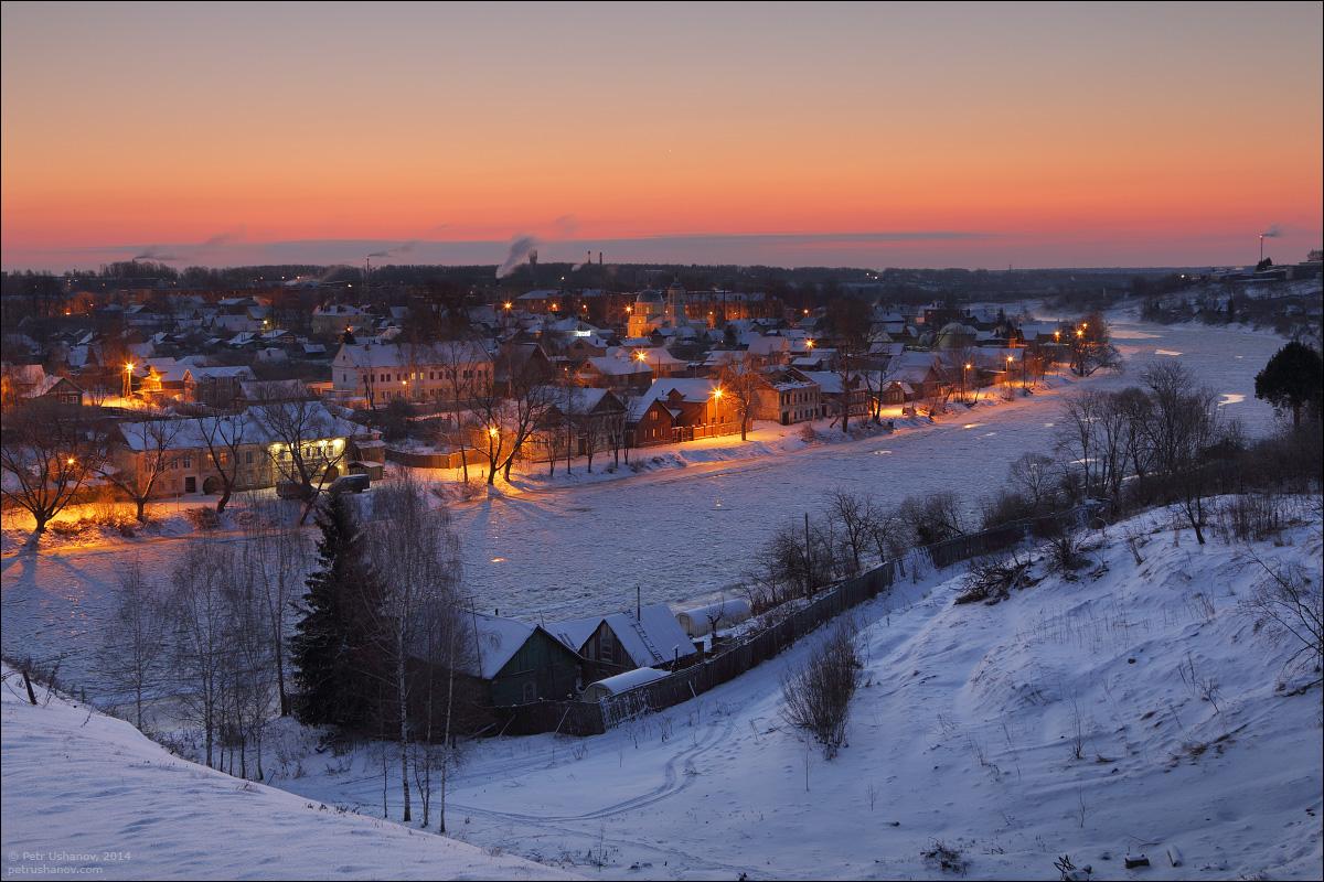 фотографии ночного зимнего дмитрова еще