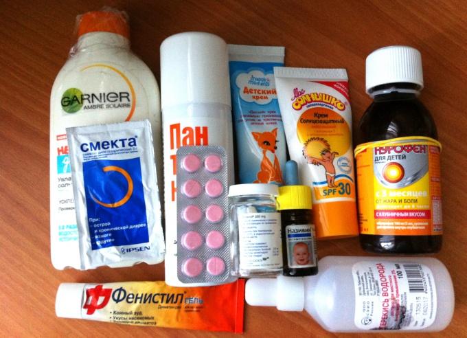 На отдых с детьми: что положить в аптечку?