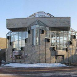 В какие кинотеатры можно сходить в Петергофе