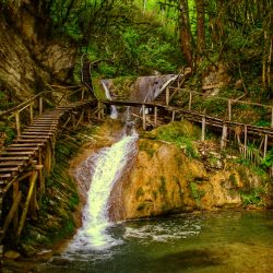 Водопады Вардане