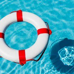 Отдых на воде: правила безопасности и летние лайфхаки для отдыхающих