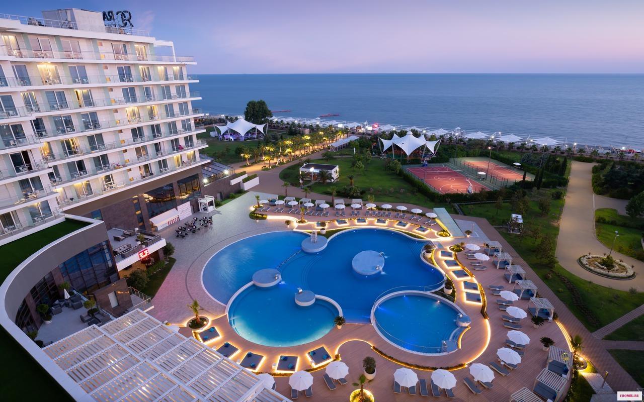Лучшие отели Сочи с открытыми подогреваемыми бассейнами